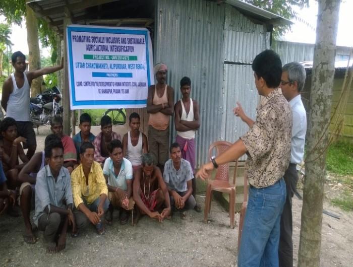 Picture 4 CDHI reps talk to farmers