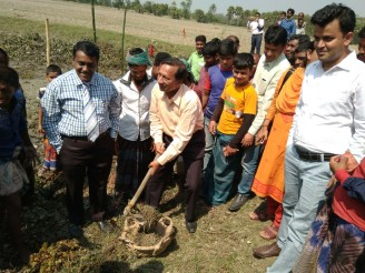 Photo 3 -Upazila chair cutting earth during re-excavation inauguration of the canal, photo-Shushilan, 28th Februrary, 2018